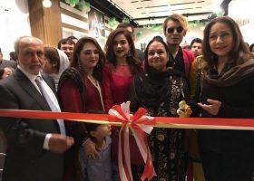 Mr Mukhtar, Amna, Humaira, Mrs Mukhtar, Teejay, Zeba Bakhtiar at the ribbon cutting ceremony of Khas Store Launch (Copy)
