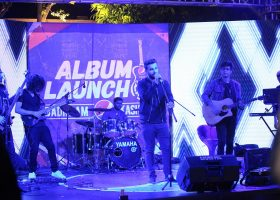 Winner of Pepsi Battle of the bands, Kashmir, performs a beautiful song from their new album