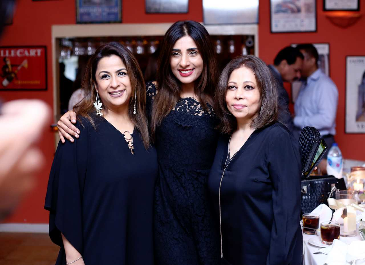 Anshan Junejo, Mantaha and Dr Fehmida graced the Reviv wellness therapy with their presence